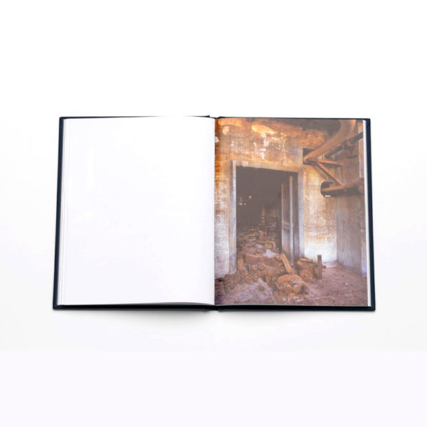 what-remains-cio-che-rimane-danilo-murru-photobook-photography-lartiere-2016