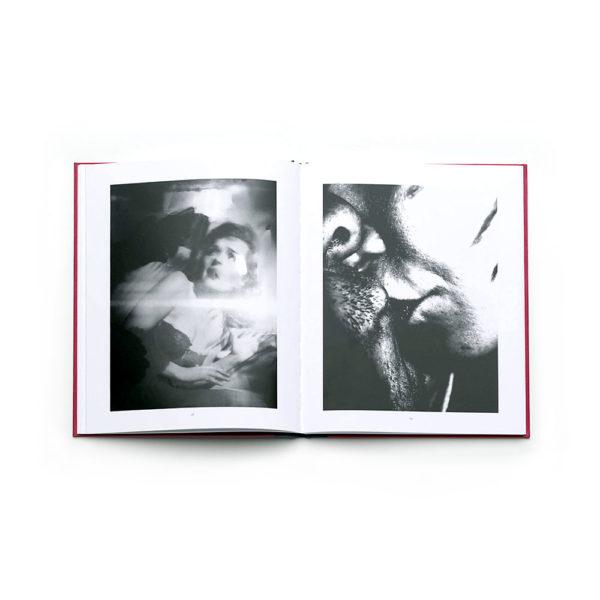 exit-pleasure-victor-cobo-photography-photobook-larry-fink-lartiere-2016