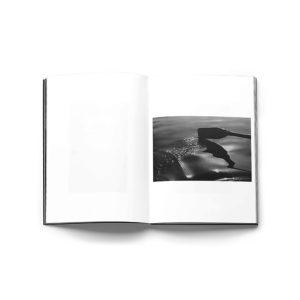 blackout-hitoshi-fugo-photography-marc-feustel-bureau-kayser-lartiere-2018