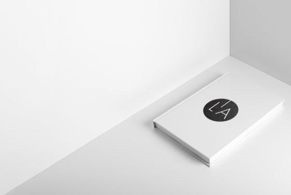 L'artiere Edizioni è la casa editrice specializzata in stampe fotografiche, libri fotografici, stampa fotografica professionale, fotografia contemporanea.