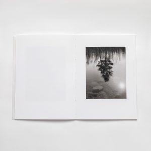 the-river-is-moving-gary-green-photography-photobook-lartiere-2020