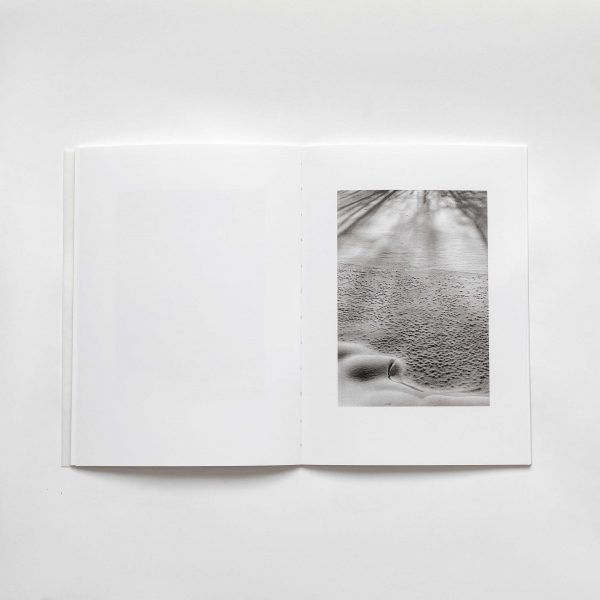 The-river-is-moving-gary-gree-photograpy-photobook-
